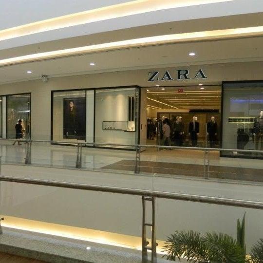 รูปภาพถ่ายที่ Shopping Park Europeu โดย Luciane L. เมื่อ 3/29/2012