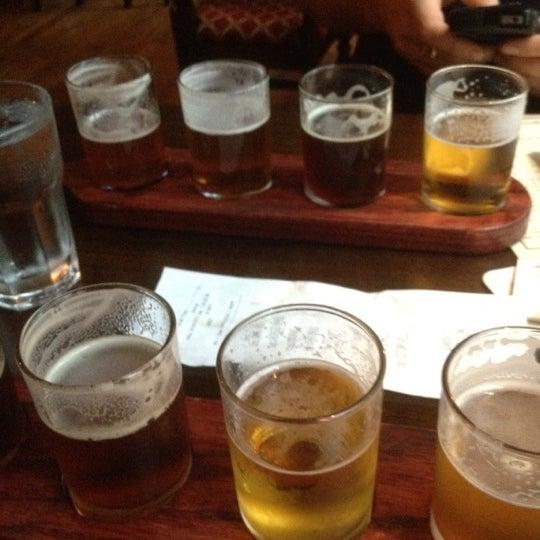 Foto diambil di Beer Authority NYC oleh Deborah O. pada 8/18/2012