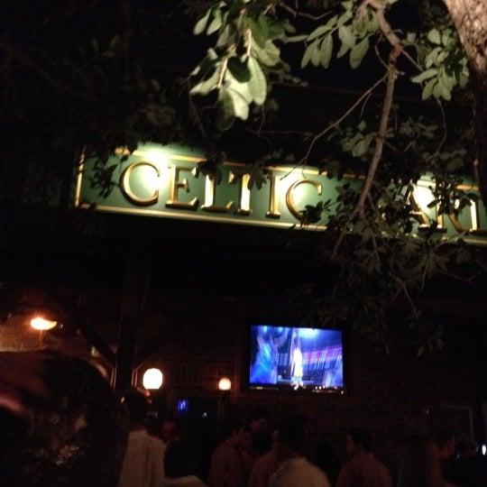 Foto tirada no(a) Celtic Gardens por Dorothy L. em 5/20/2012