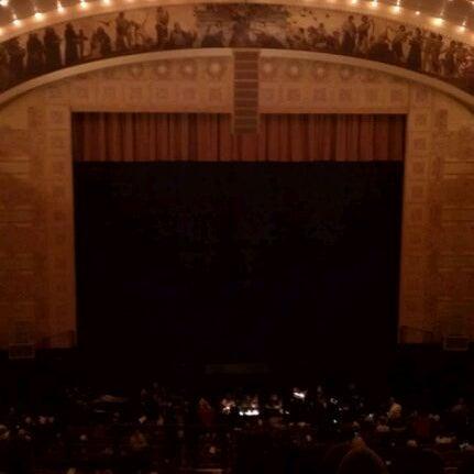 2/24/2012 tarihinde Carmela B.ziyaretçi tarafından Auditorium Theatre'de çekilen fotoğraf