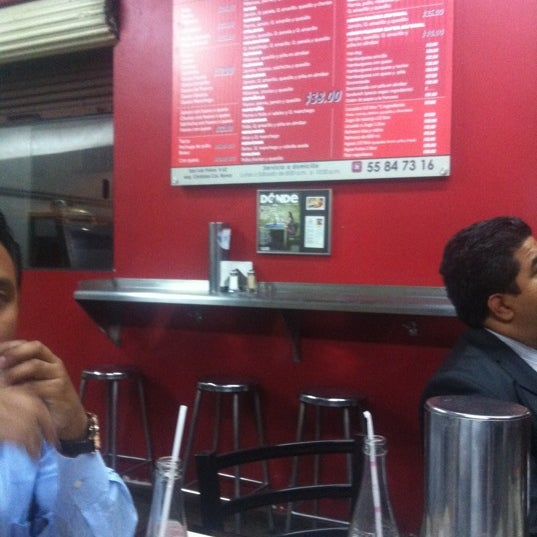 """Das Foto wurde bei Tortería """"Los Güeros"""" von Lalebernal am 3/8/2012 aufgenommen"""