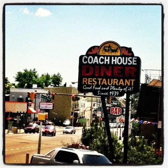6/5/2012にAdolfo R.がCoach Houseで撮った写真