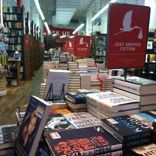 Foto scattata a Strand Bookstore da Sousou B. il 8/29/2012