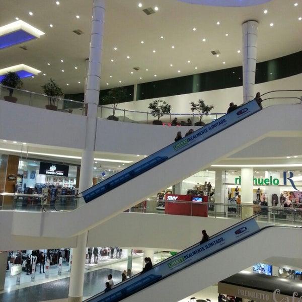 Foto tirada no(a) Shopping Palladium por Fred em 6/18/2013