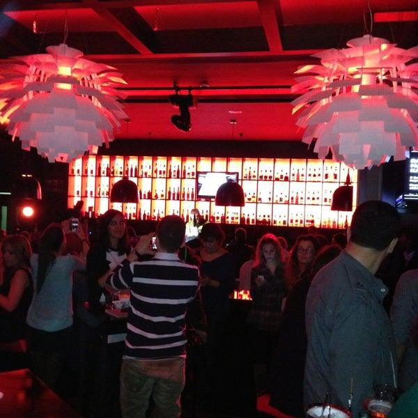 Foto tomada en Kalina Bar Restaurant por Ali T. el 2/2/2013