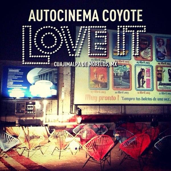 รูปภาพถ่ายที่ Autocinema Coyote โดย Stephanie S. เมื่อ 4/13/2013