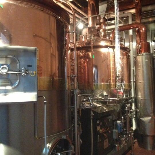 Foto tomada en Deschutes Brewery Portland Public House por Ben S. el 12/8/2012