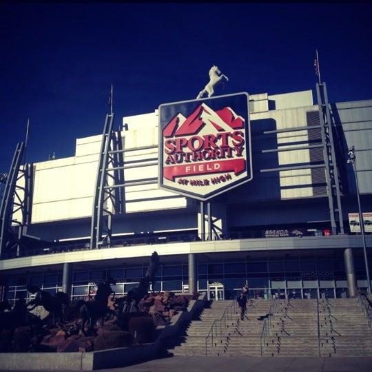 Foto diambil di Broncos Stadium at Mile High oleh AlmostVeggies.com pada 11/20/2012