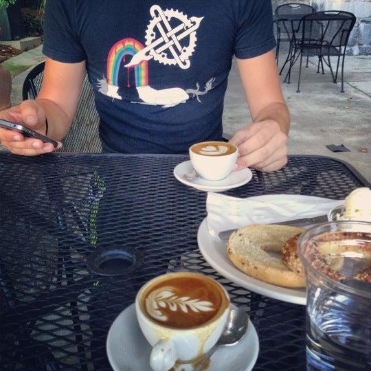 9/26/2012にClay N.がCondesa Coffeeで撮った写真