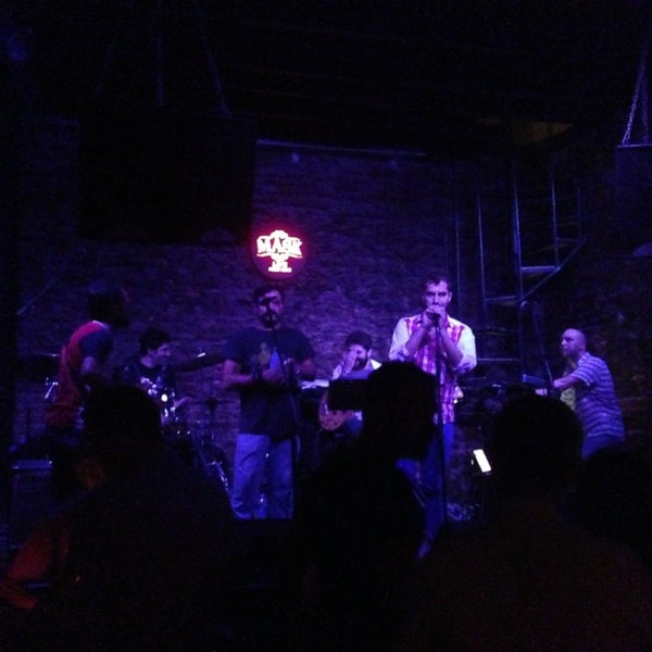 Foto diambil di Mask Live Music Club oleh Beyza L. pada 6/18/2013