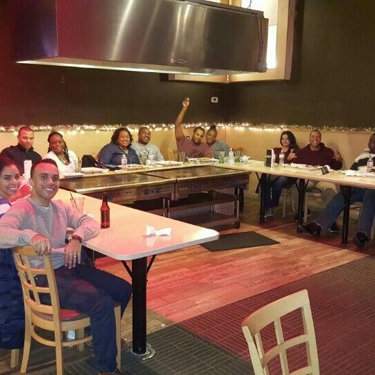 รูปภาพถ่ายที่ Desaki Japanese Restaurant โดย Nii Doodu N. เมื่อ 12/13/2015