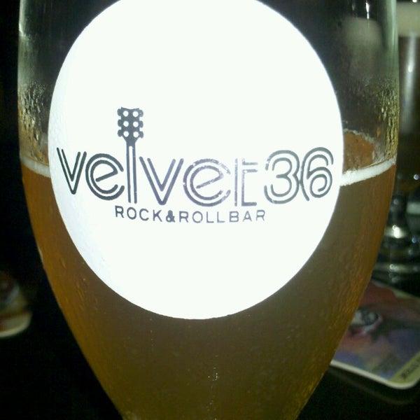 Foto tirada no(a) Velvet36 Rock'n Roll Bar por Tarcisio Benchimol Ferreira em 6/8/2013