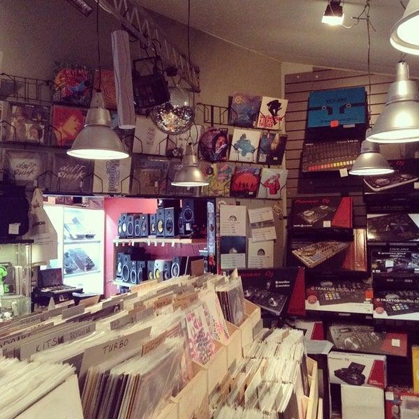 7/28/2014에 Сергей П.님이 Baza Record Shop에서 찍은 사진
