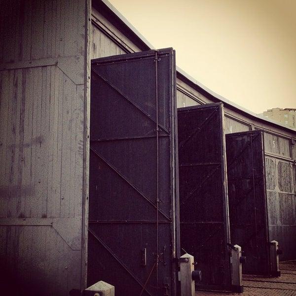 11/29/2012 tarihinde Luiz Eduardo G.ziyaretçi tarafından Steam Whistle Brewing'de çekilen fotoğraf