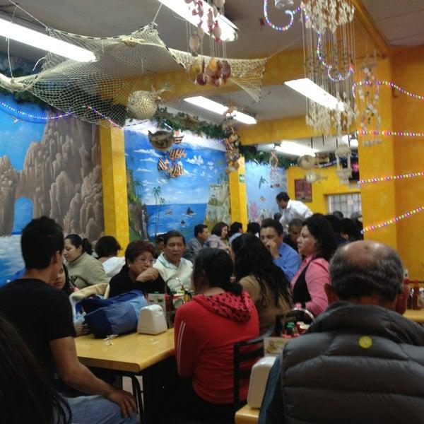 Снимок сделан в Ostionería Mazatlán пользователем Horacio P. 12/30/2012