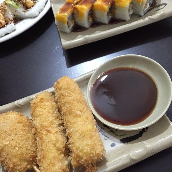 Foto scattata a Sushi Washoku da Horacio P. il 5/8/2015
