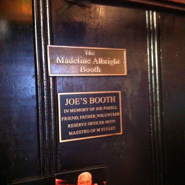 Foto tomada en Martin's Tavern por Tyler T. el 12/30/2012