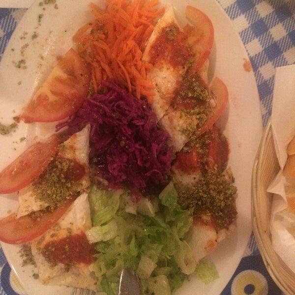 11/12/2015에 Mustafa님이 Anatolia Restaurant에서 찍은 사진