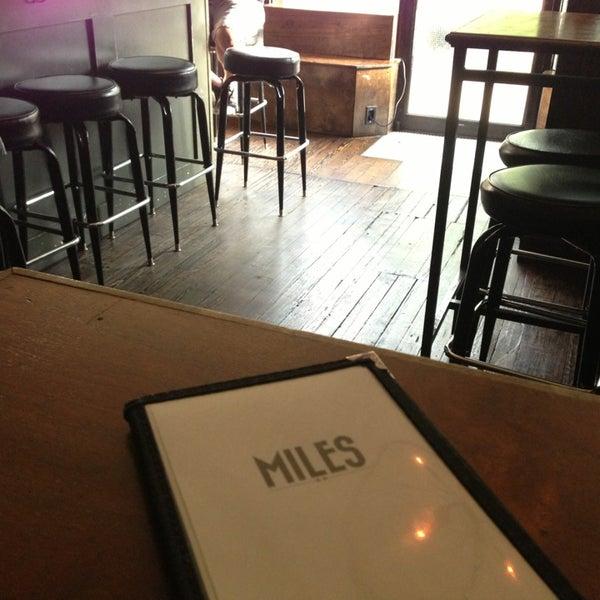 Foto tirada no(a) Miles por Bobby K. em 6/28/2013