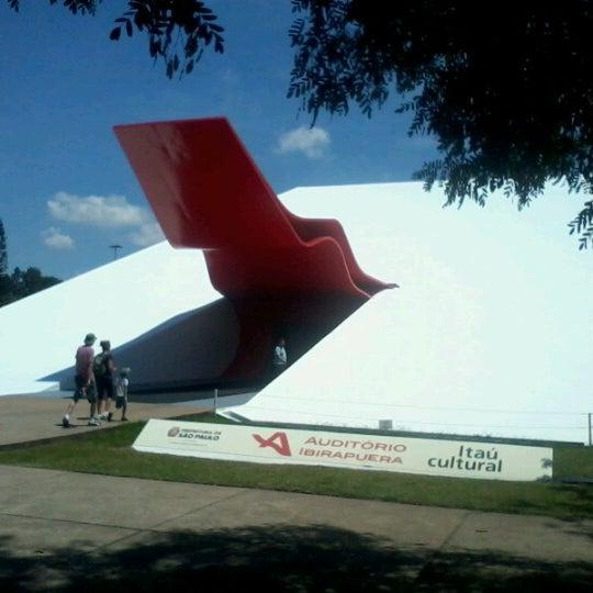 2/16/2013에 Tiago G.님이 Auditório Ibirapuera Oscar Niemeyer에서 찍은 사진