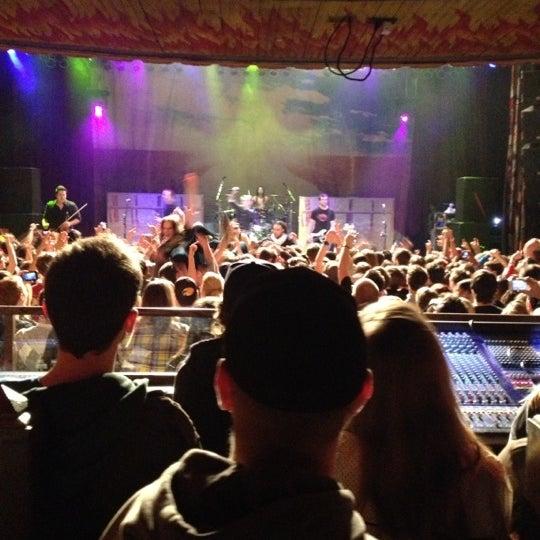 Foto diambil di House of Blues oleh Jenny P. pada 11/26/2012