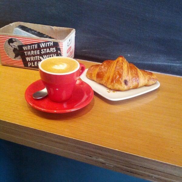 Foto tirada no(a) Ports Coffee & Tea Co. por Christian B. em 3/15/2013