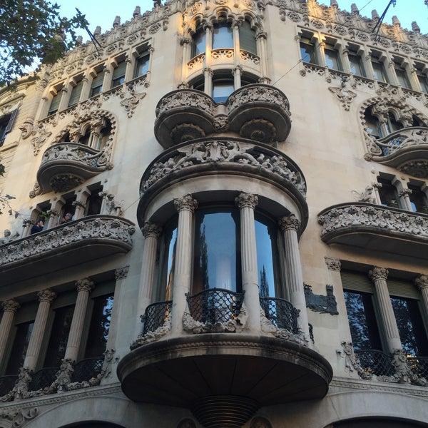 รูปภาพถ่ายที่ Casa Lleó i Morera โดย murajun เมื่อ 11/23/2015