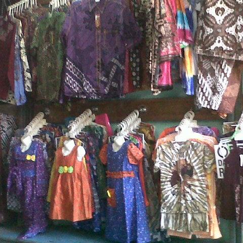 Photo taken at Pusat Pasar Grosir Batik Setono Kota Pekalongan by Ika K. on  8 6807ce21b9
