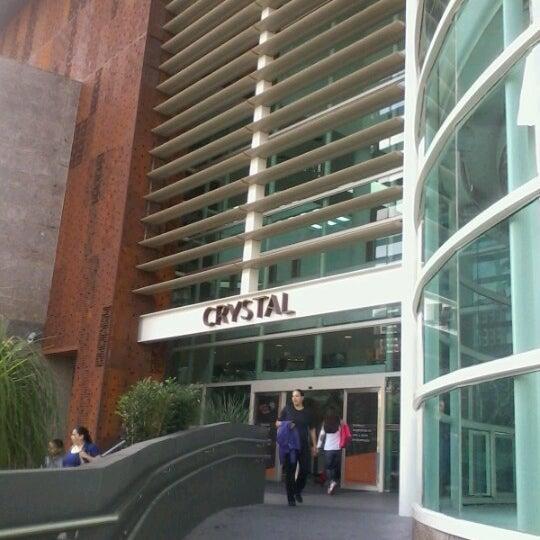 Foto tirada no(a) Shopping Crystal por Flores em 11/3/2012
