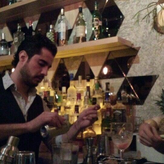 Das Foto wurde bei Lázaro Comedor & Bar von Mariana M. am 2/27/2016 aufgenommen