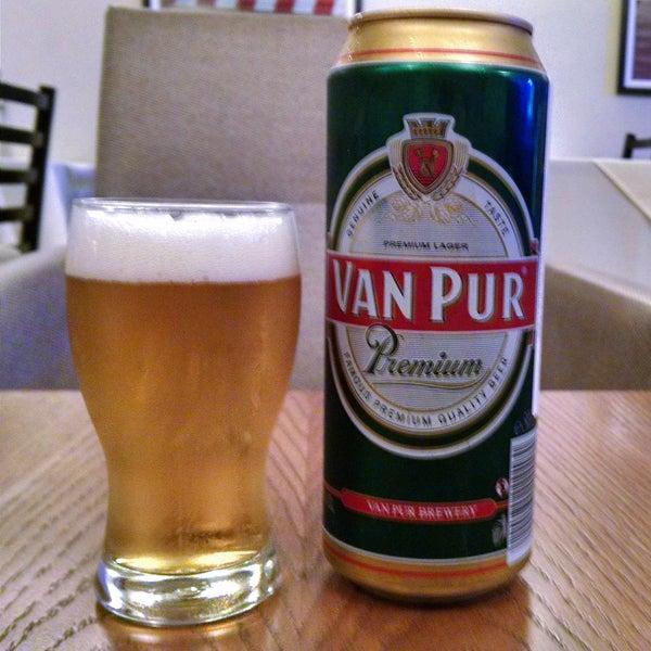 Comida tradicional polonesa deliciosa, como os celebrados pierogis. Sextas e sábados tem jazz. Vodkas e cervejas da Polônia. O preço é honestíssimo e o atendimento muito atencioso.