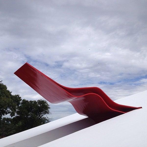 2/17/2013에 Adriano님이 Auditório Ibirapuera Oscar Niemeyer에서 찍은 사진