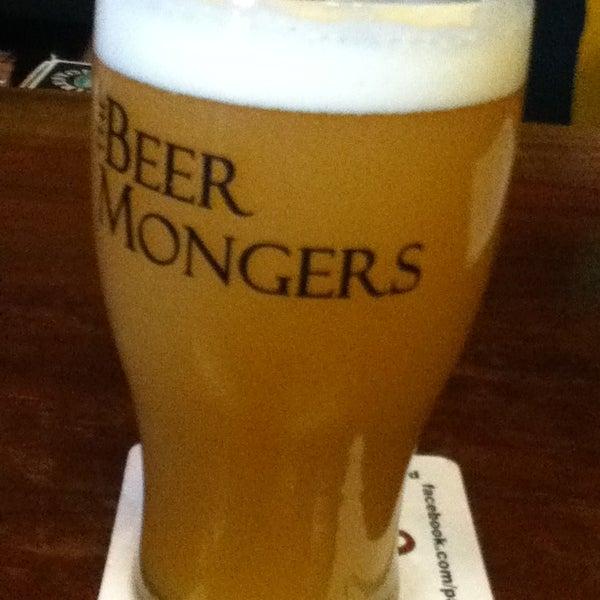 Photo prise au The BeerMongers par Gabe P. le7/24/2013