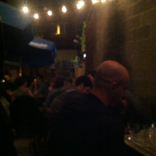 รูปภาพถ่ายที่ The West—Coffeehouse & Bar โดย Jake เมื่อ 9/30/2012