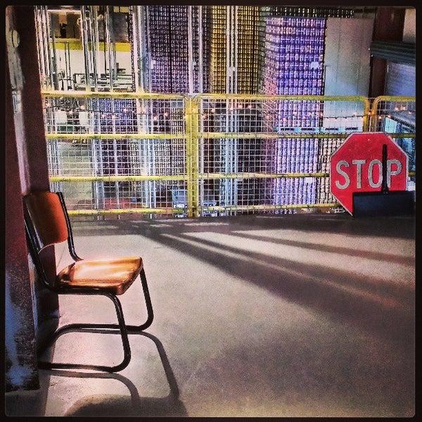 4/5/2013 tarihinde Ryan R.ziyaretçi tarafından Oskar Blues Brewery'de çekilen fotoğraf