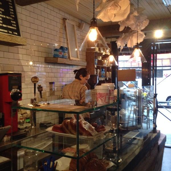 10/5/2013にSab P.がNolita Mart & Espresso Barで撮った写真