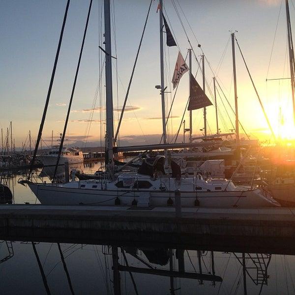 Photo prise au Seattle Sailing Club par Forrest K. le7/28/2013