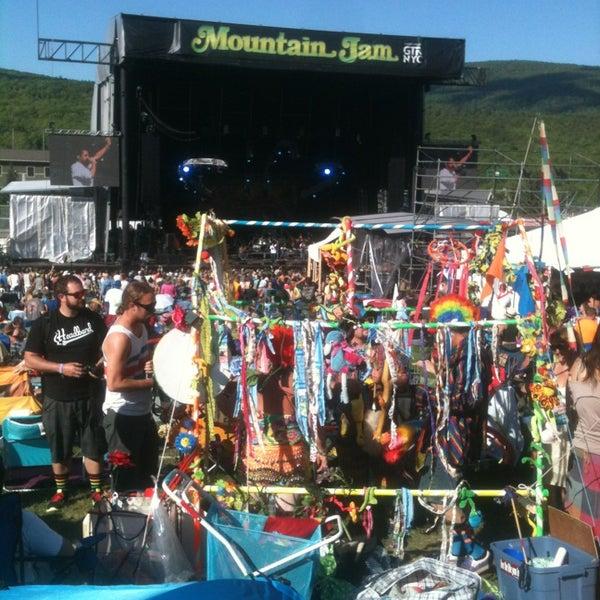 Das Foto wurde bei Mountain Jam von Beren21 am 6/7/2014 aufgenommen