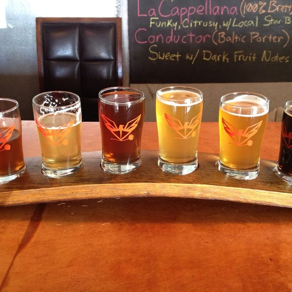 Foto tomada en ChuckAlek Independent Brewers por Captain A. el 8/3/2013