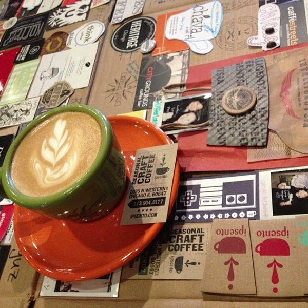 Foto tirada no(a) Ipsento Coffee House por Chenyu em 7/22/2013