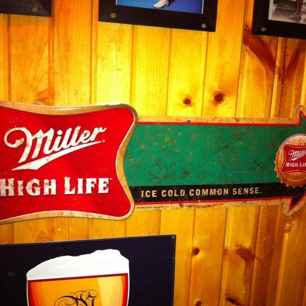 4/4/2013にCatherine B.がHigh Life Loungeで撮った写真