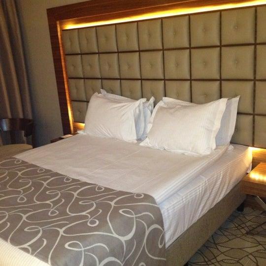 Das Foto wurde bei Grand Hotel Gaziantep von Naze . am 11/30/2012 aufgenommen