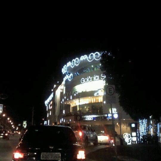 12/19/2012 tarihinde Juscelia S.ziyaretçi tarafından Goiânia Shopping'de çekilen fotoğraf