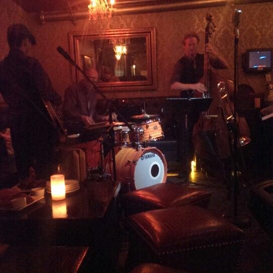 Foto tomada en Seventy7 Lounge por Esteban S. el 6/12/2013