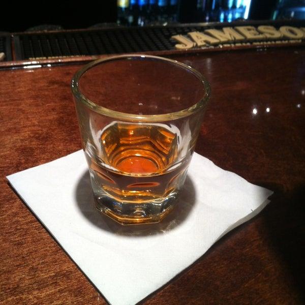 1/15/2013 tarihinde Michael D.ziyaretçi tarafından Royal Oak Bar and Grill'de çekilen fotoğraf