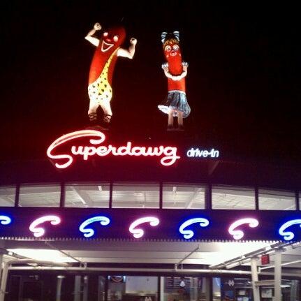 Снимок сделан в Superdawg Drive-In пользователем Eric V. 10/20/2012