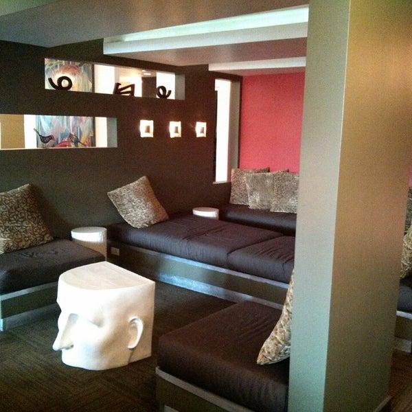 Das Foto wurde bei Hotel Rose von Brian T. am 6/21/2013 aufgenommen