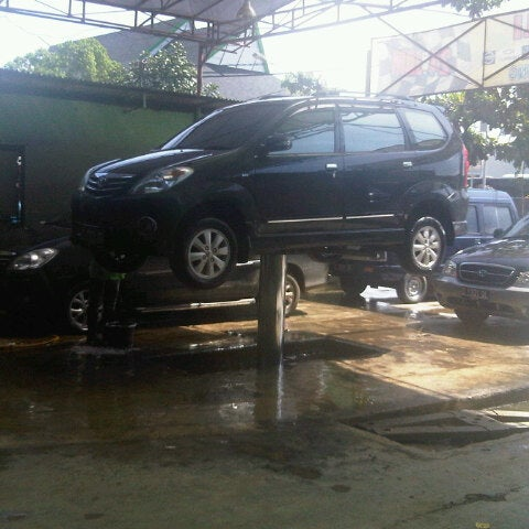 Eka Jaya Cuci Mobil Jl Turangga No 12