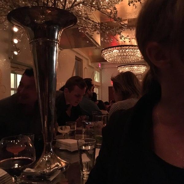 Foto tirada no(a) Bar Cyrk NYC por Sarah em 10/16/2015