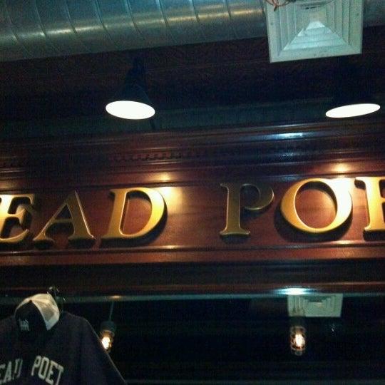 Das Foto wurde bei The Dead Poet von jeff l. am 1/22/2013 aufgenommen
